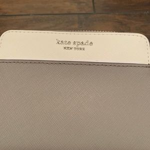 Kate Spade New York Grey Wallet